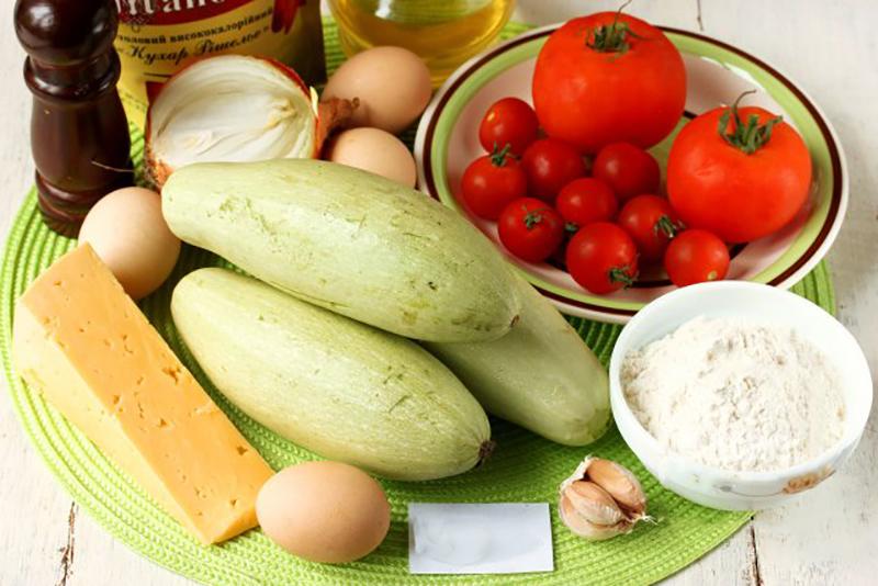 Кабачки с помидорами и сыромы