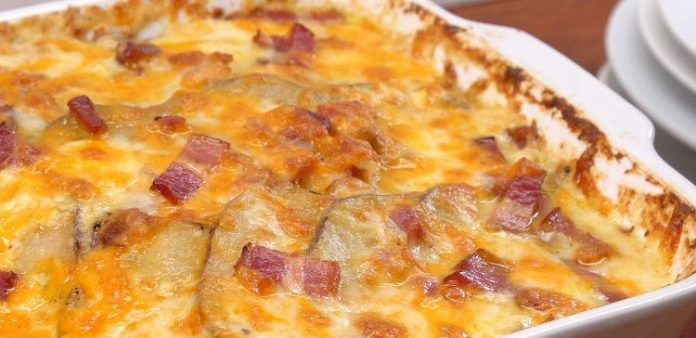 loaded-potato-casserole-fi-750x364-696x338