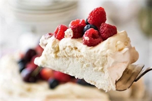 desert-pavlova-klassicheskij-recept-3